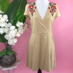 {Zara} Floral Embroidered Casual Wrap Dress NEW